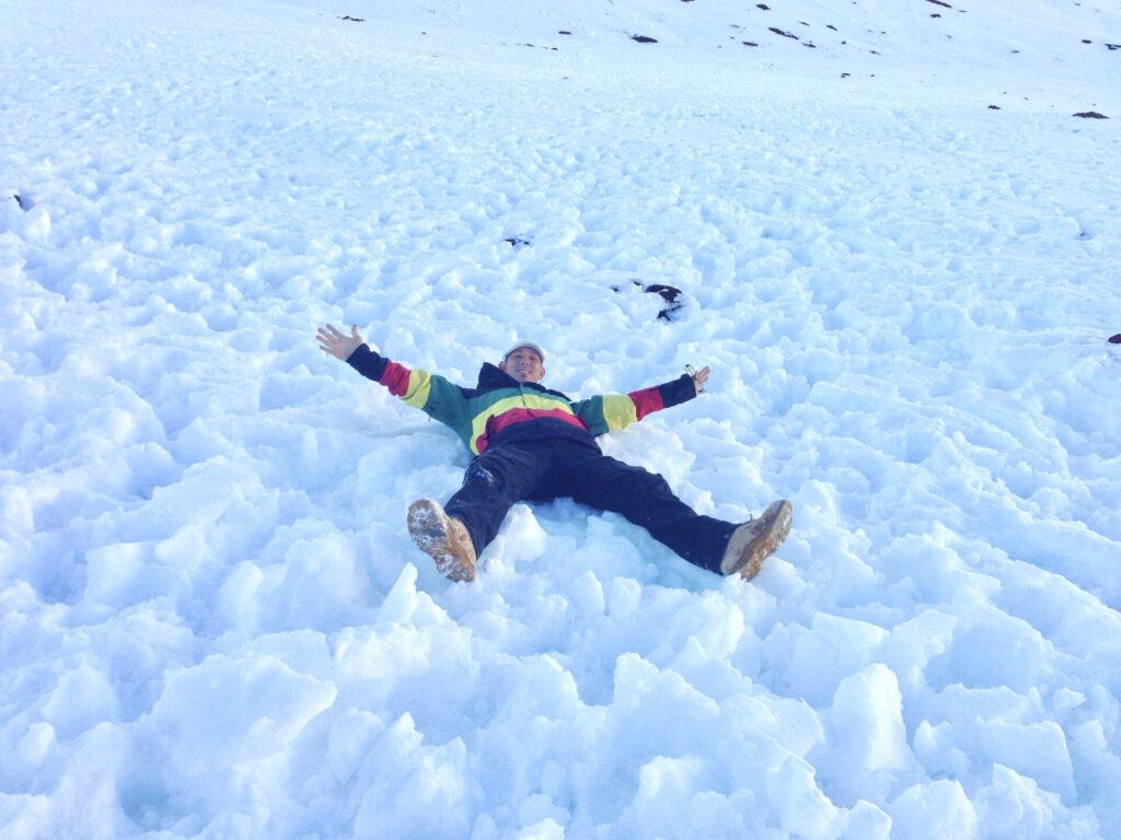 雪のマウナケア登山とワイアウ湖